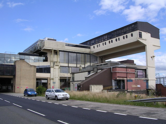 Cumbernauld, town center, it was DOA right from the beginning. (c) Chris Upson, Wikipedia.